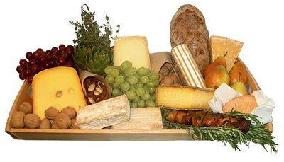Cheese-platter-1-cheese-948575_611_600