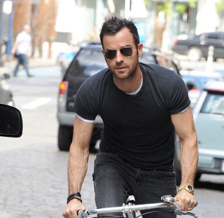 Justin-theroux-bike-nyc-05202014-lead01-600x450